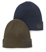 Solid ribbed beanie crafted in a cozy cotton/wool blend, with leather logo patch.