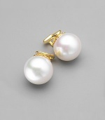 Nothing could be simpler or lovelier than a single white pearl with convenient clip-on styling. 14mm organic man-made pearls 14k gold vermeil Clip-on back Made in Spain